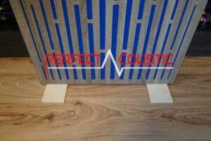 Akustikbild-Auf Anfrage sind auch faltbare Holzbeine erhältlich