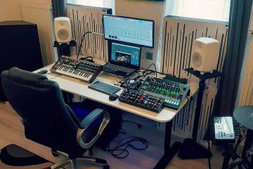 Adam's home studio, using acoustic panels.-Bassfalle mit Diffusor
