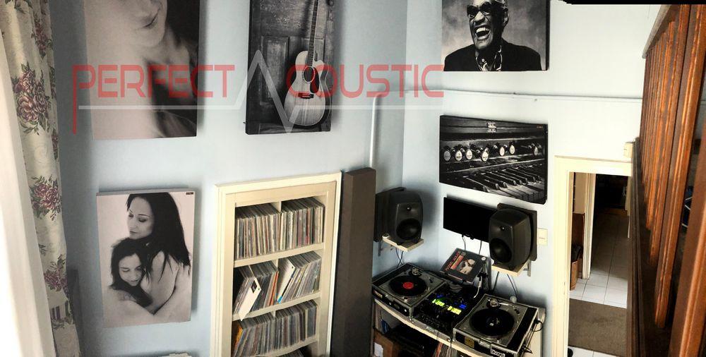 Ansicht von unten auf fotografische Akustikplatten