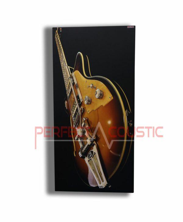 Bedruckte Akustikplatte mit Instrument.