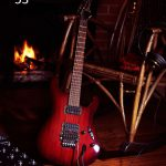 Fotoakustikplatte mit Gitarre..