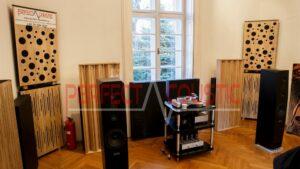 schallabsorbierende Paneele in der Baraby-Villa..Säulenförmige Akustik Diffusor